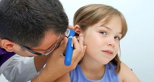 En Óptica Egüés somos especialistas en audiología infantil